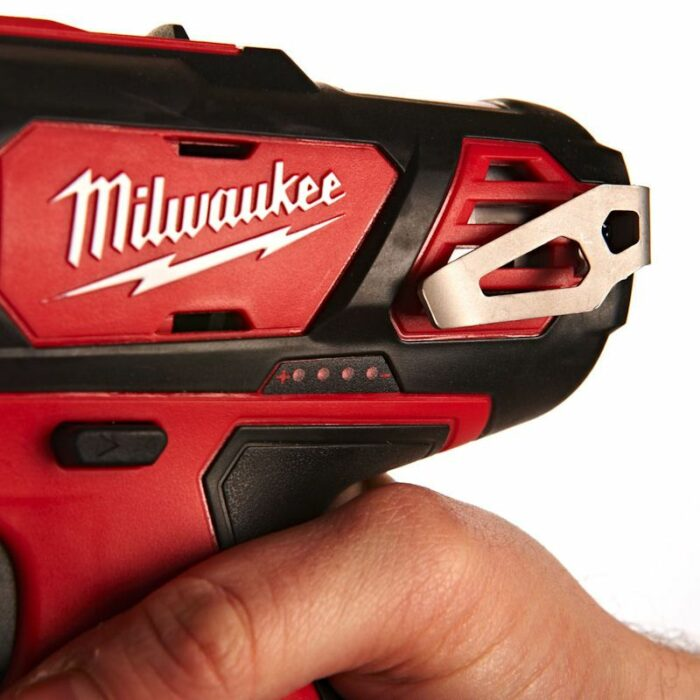 Компактна акум. дупчалка Milwaukee M12BDD-202C