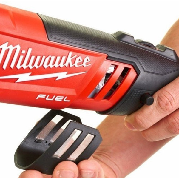 Акумулаторска полирка Milwaukee M18FAP180-502X