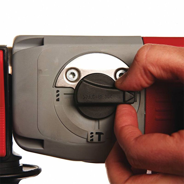 Електропневматска дупчалка/чекан Milwaukee PLH32XE